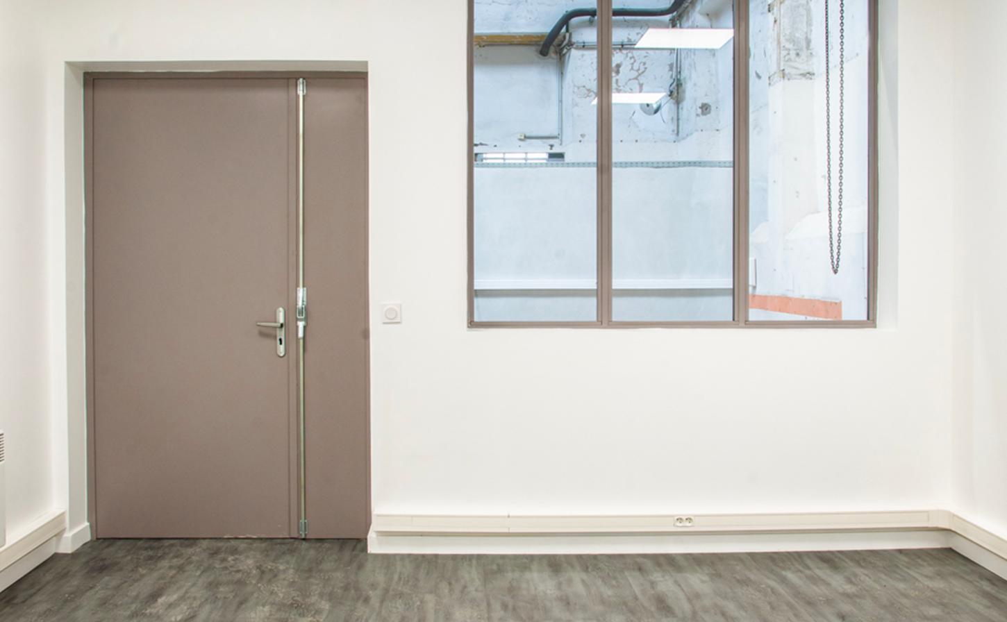 Bel Air Industrie | Atelier ouvert/fermé de 43m² à 180m² à Bel Air Camp